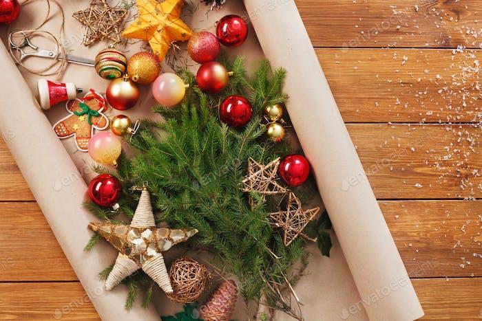 Weihnachtsschmuck, bereiten Sie sich auf Winterferien Hintergrund vor