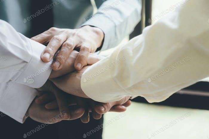 Concepto de colaboración de trabajo en equipo.