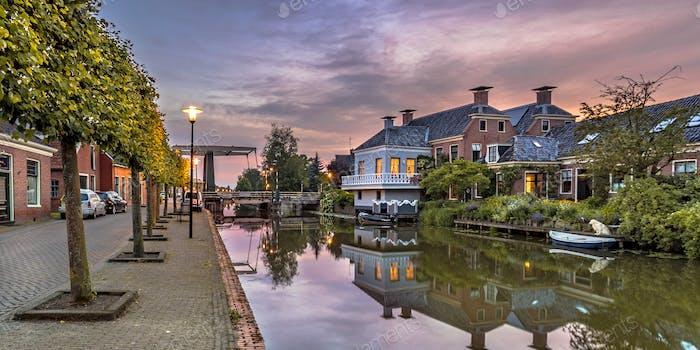 Village canal scene onderdendam