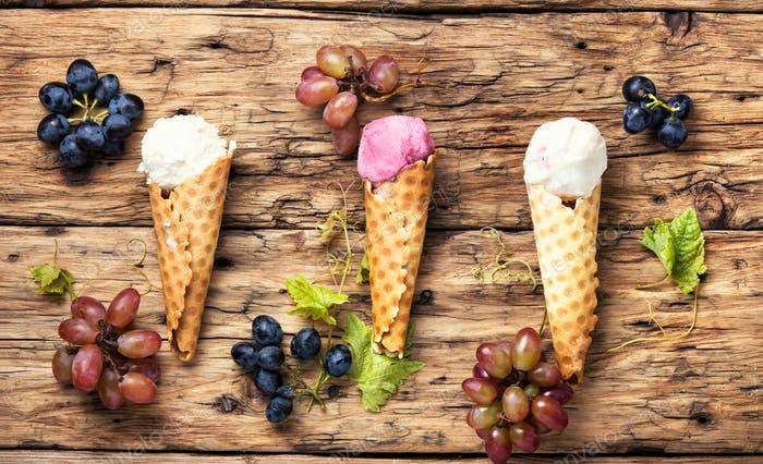 Ice cream with a taste of grapes