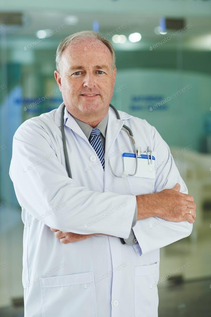 Médico experimentado