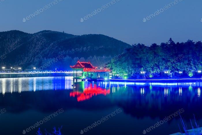 Nachtansicht des Berges Lushan