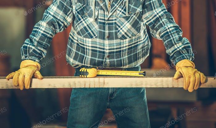 Los hombres y su trabajo en madera Tema industrial