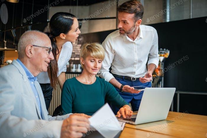 Startup neue Geschäftseinführung im Restaurant