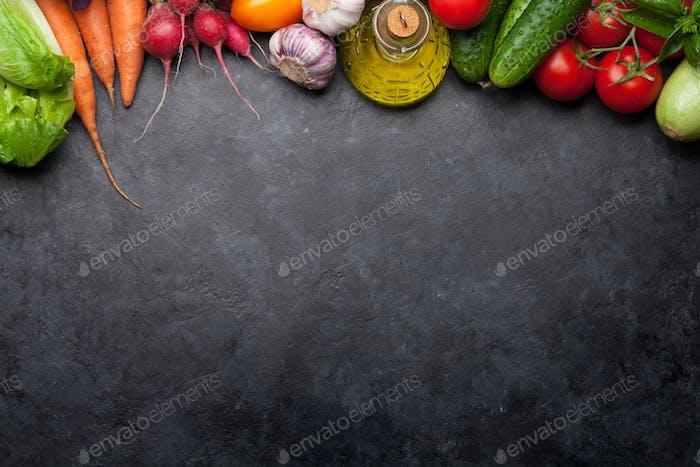 Sortierte Rohgemüse aus biologischem Anbau