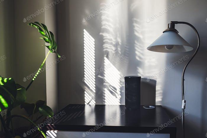 Oficina en casa, trabajando desde el concepto de hogar