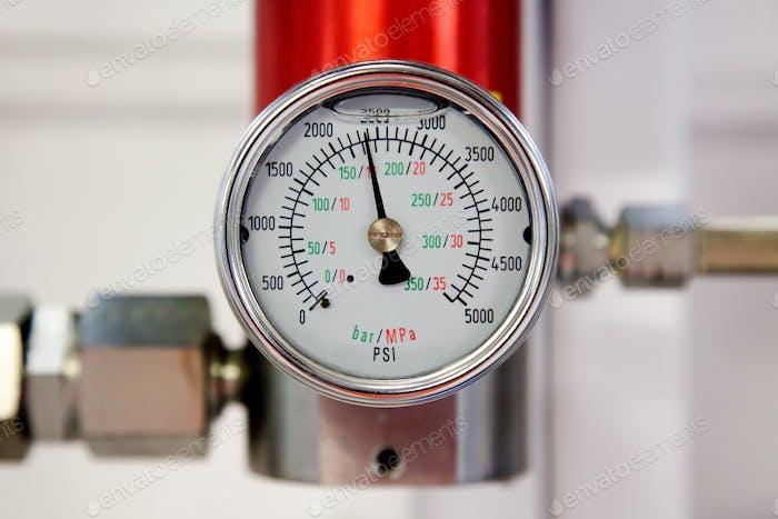 Industrial pressure meter