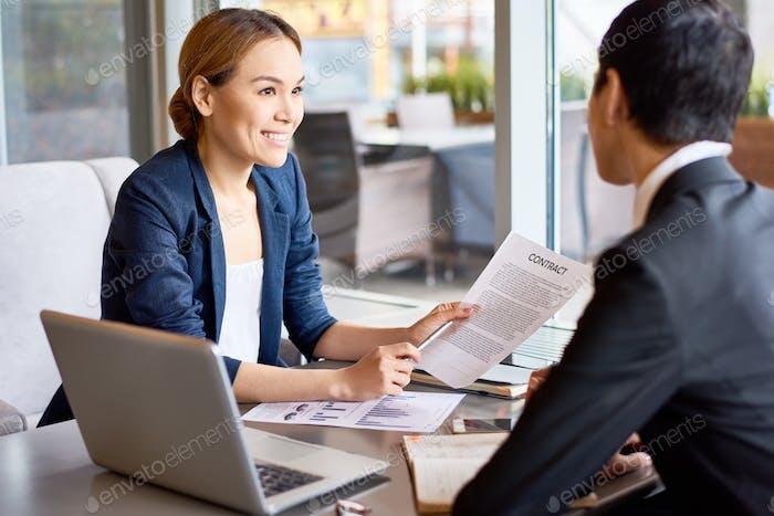 Обсуждение сотрудничества с деловым партнером