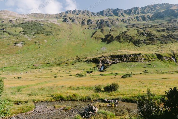 grüne Sommergebirgskette