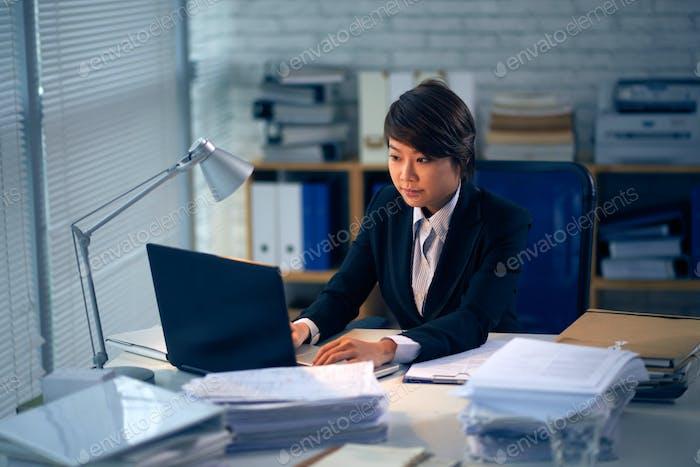 Working female lawyer