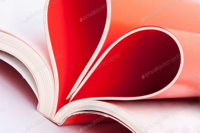 Seiten in Herzform