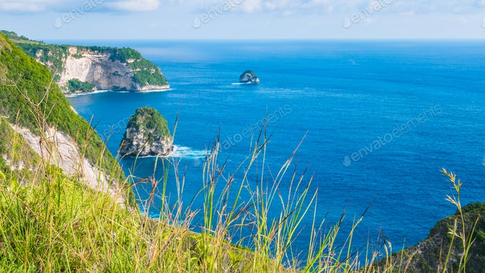 Coastline, Thousand Island, near Manta Bay or Kelingking Beach on Nusa Penida Island, Bali