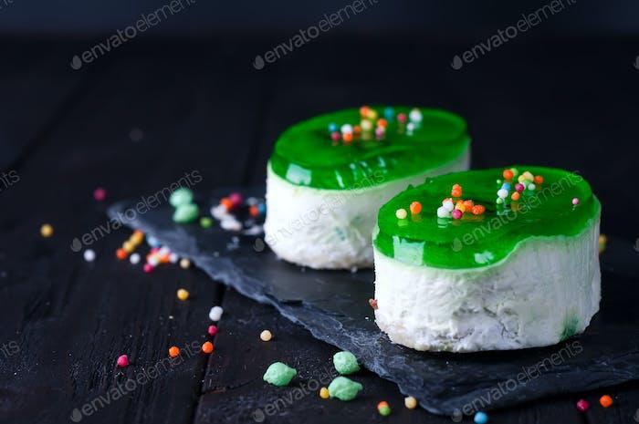 Zwei Portionen Kuchen