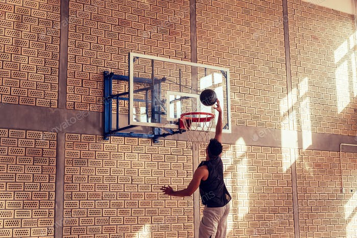 A slum dunk