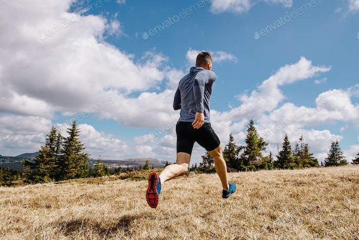 hintere männliche Läufer Run