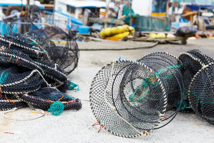 Net traps for seafood