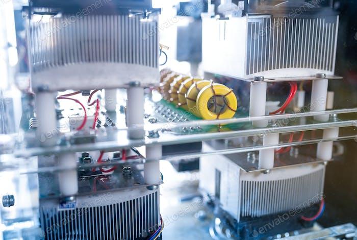 Komplexes System von Geräten und Mikroschaltungen