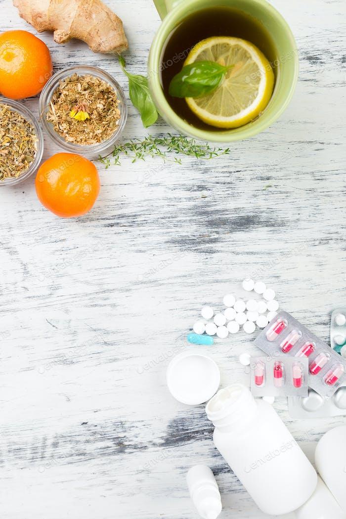 Естественная медицина против традиционной медицины.