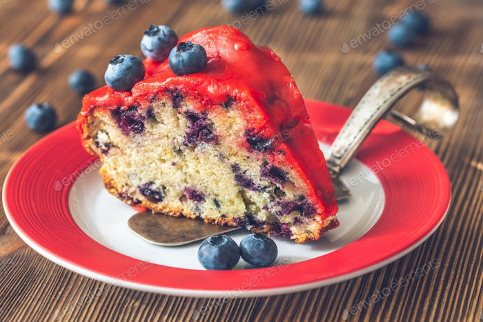 Cake with blueberries