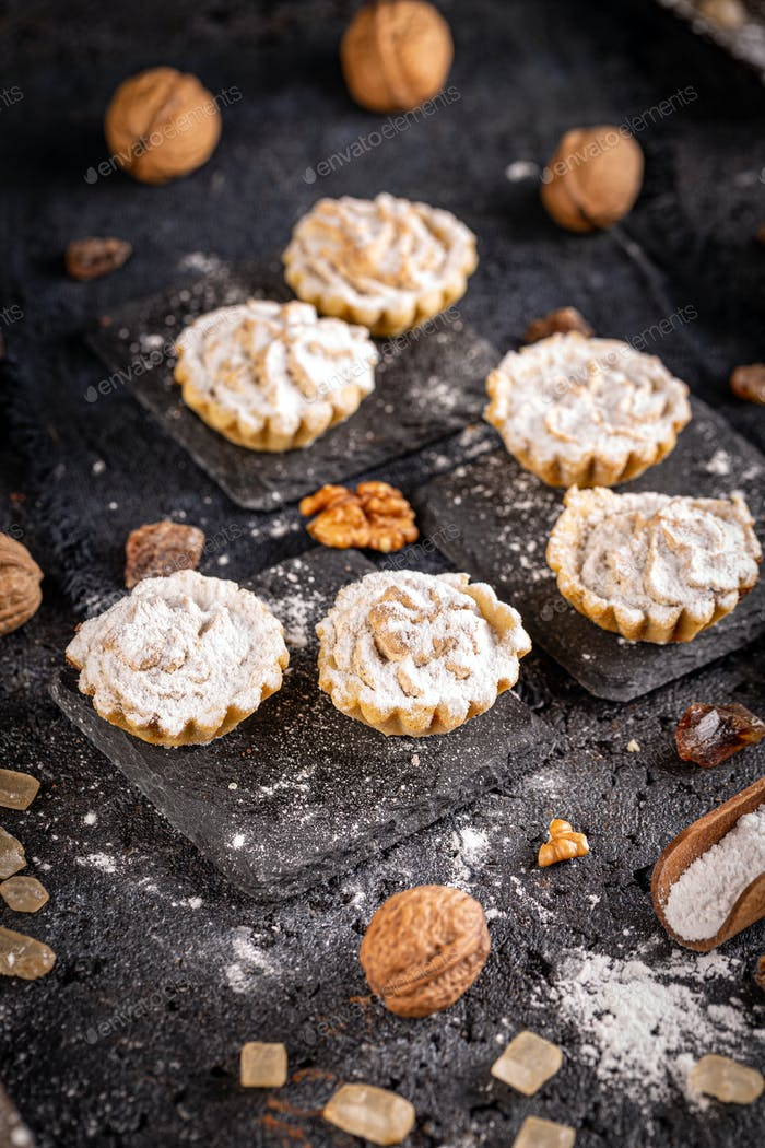 Delicious tartlets filled with walnut cream