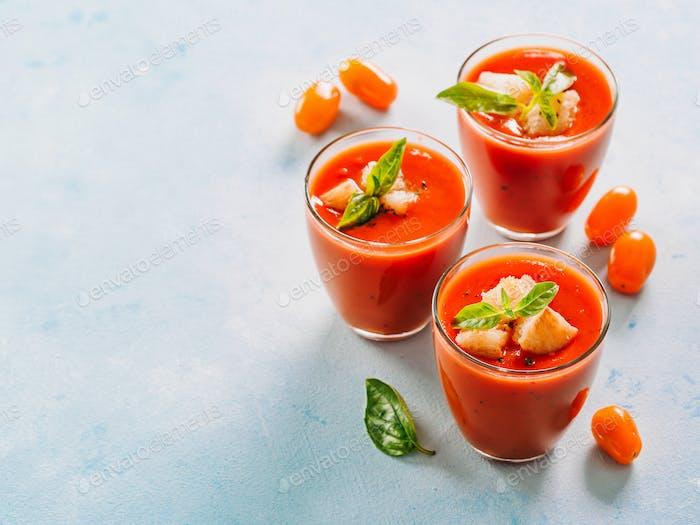 Gaspacho Suppe im Glas, Kopierraum