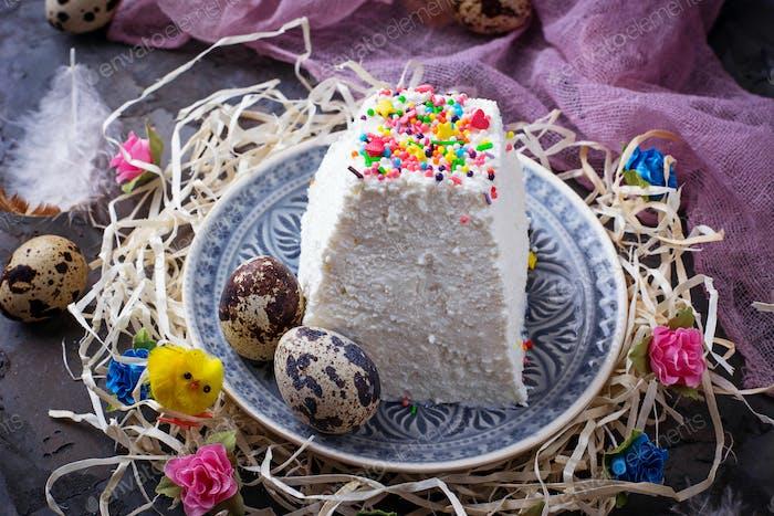 Traditioneller Ostern Quark Dessert