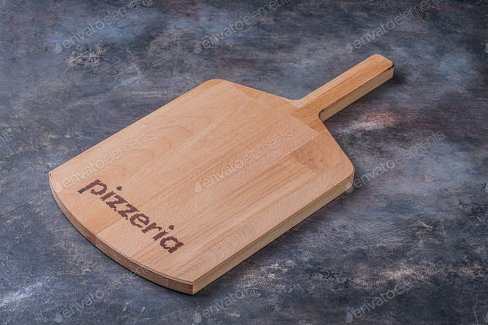 Leeres Holz-Servierbrett für Pizza, Kopierraum