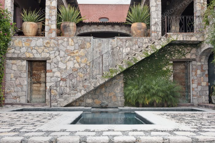 53023,Pool and Steps to the Casa Luna Ranch