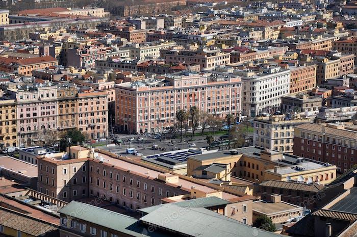Luftaufnahme der Stadt Rom, Italien. Drohne Aufnahme von Roma, über Ansicht der Gebäude