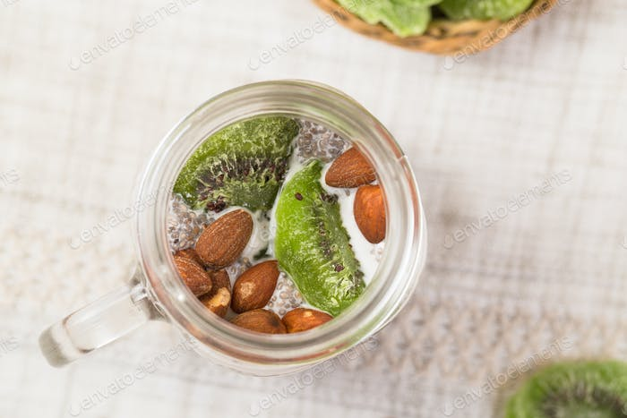 Chia seed pudding with kiwi