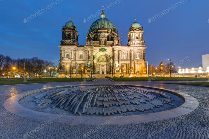 The illuminated Berlin Cathedral