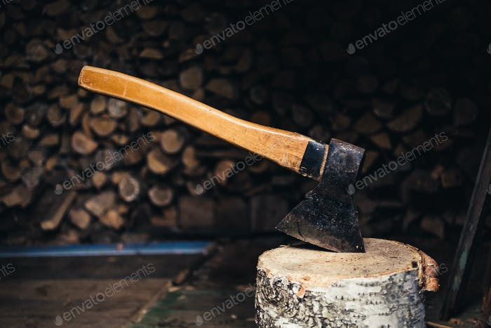 Axe for splitting firewood