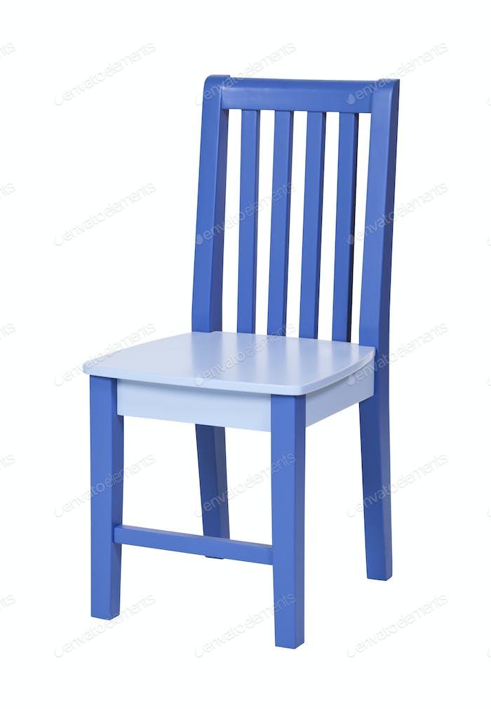 Blauer Holzstuhl isoliert über weiß