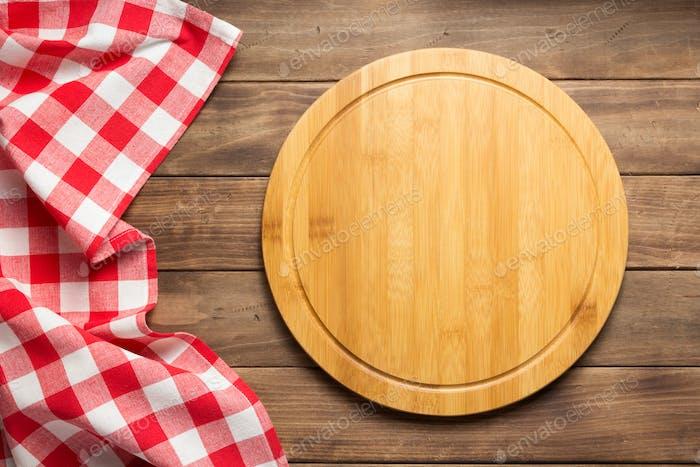 pizza cutting board and kitchen napkin cloth