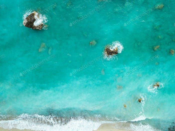 Luftaufnahme von Meer Klippen