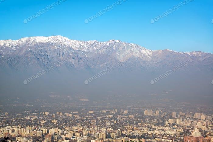 Santiago und die Anden