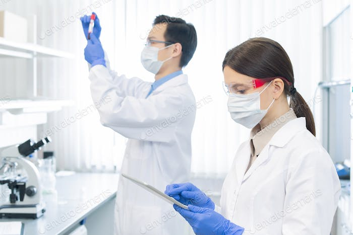 Pharmacologists Working On Medicament