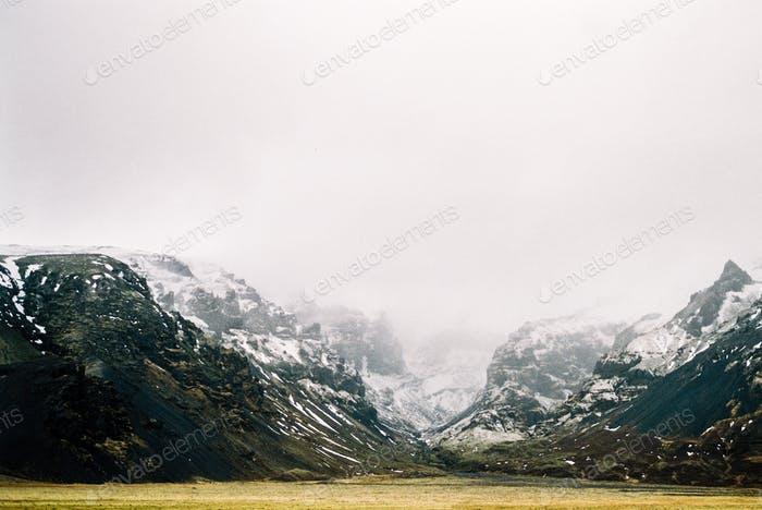 Misty Mountain Crevace