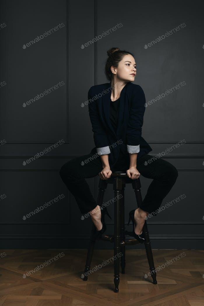 Портрет красивой молодой деловой женщины