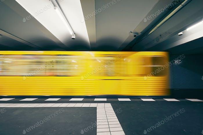 Traffic in subway