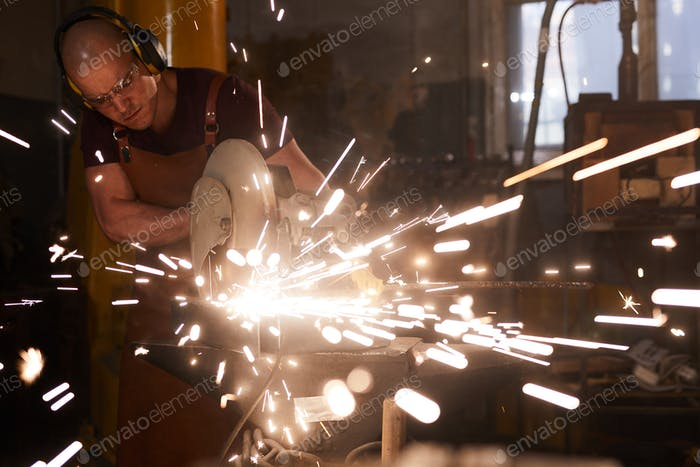Cutting metal with circular saw
