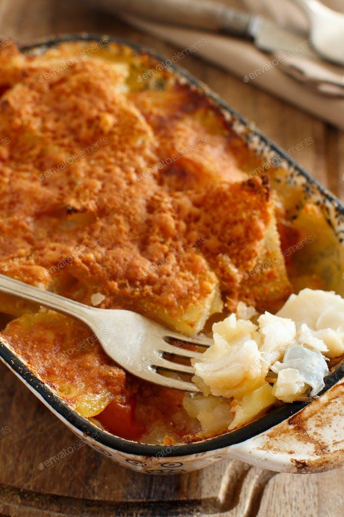 Kabeljau mit Kartoffeln im Ofen gekocht