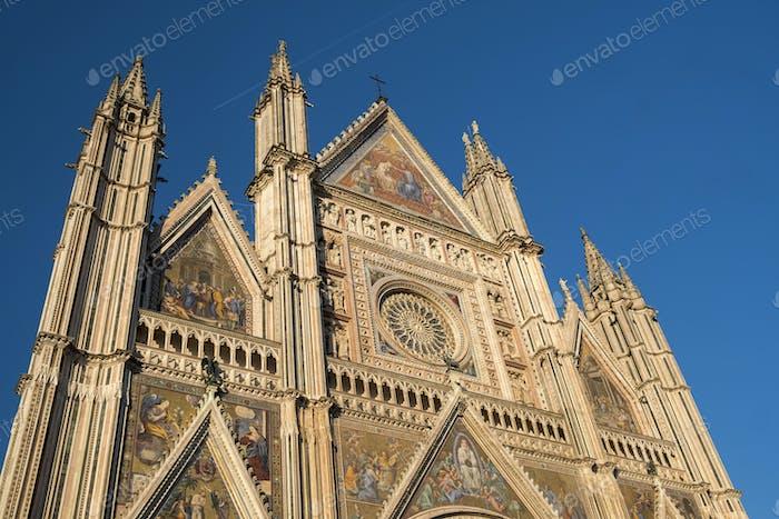 Orvieto (Umbrien, Italien), Fassade der mittelalterlichen Kathedrale, oder Du