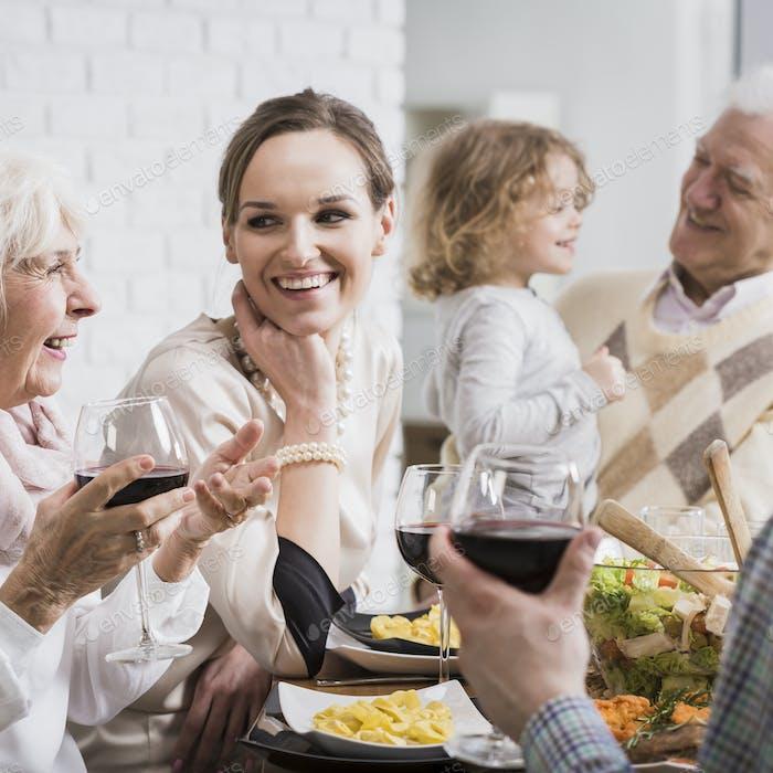Mehrgenerationen-Familientreffen während der Ferien