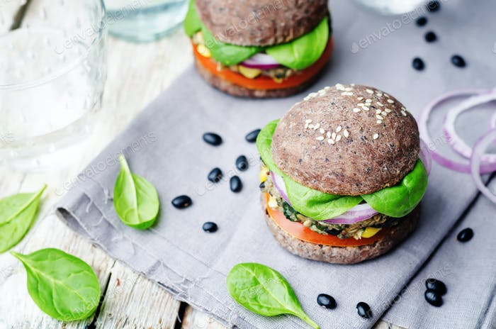 quinoa black bean spinach corn burgers with black beans bun crus