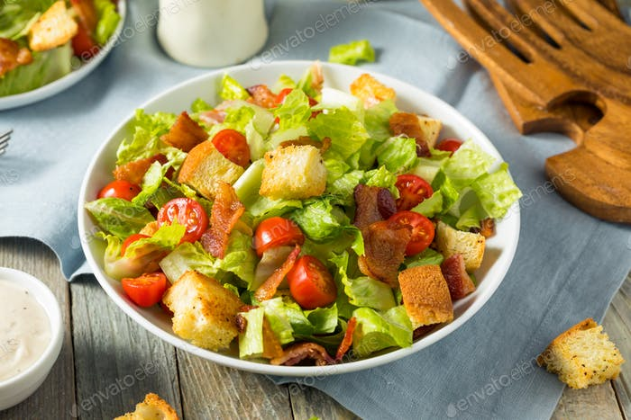 Healthy BLT Salad with Croutons