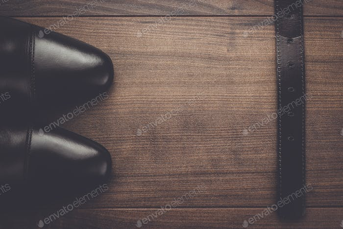 brown shoes and belt