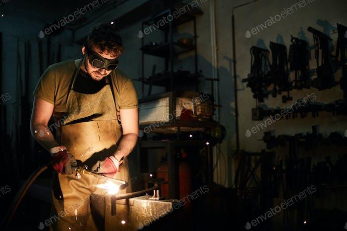 Welding workpieces