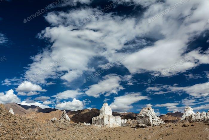 Buddhistische Chortens, Ladakh