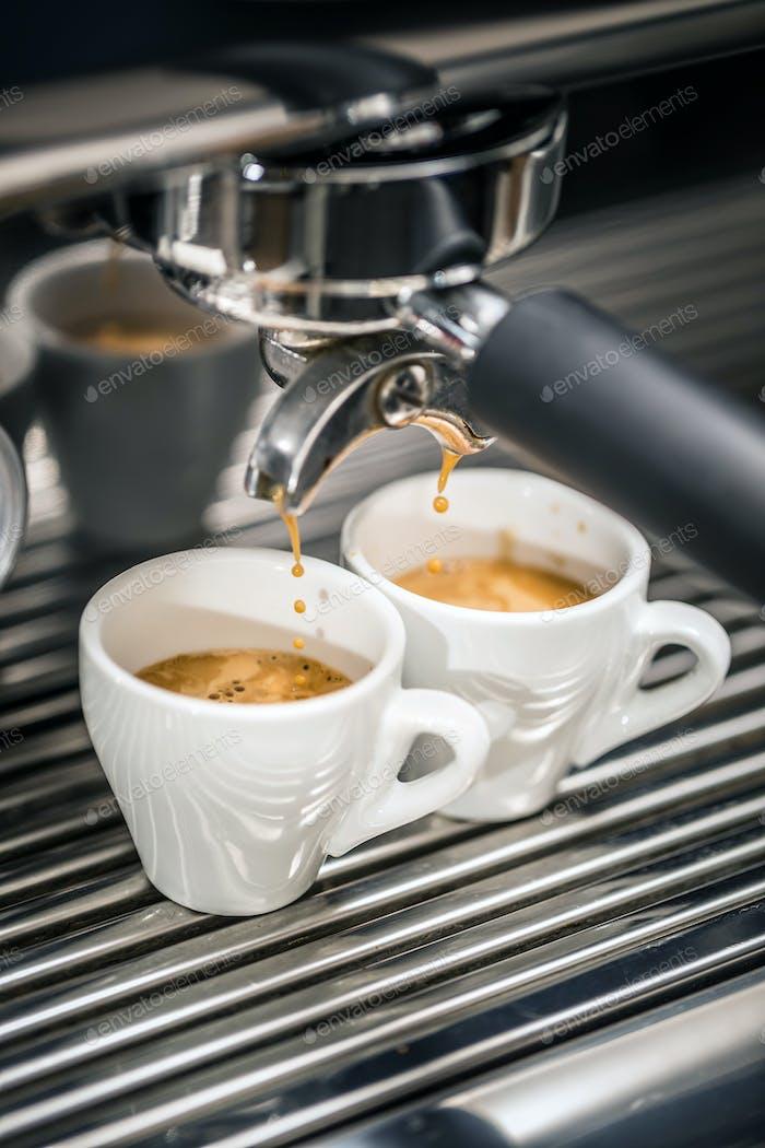 Automatic coffee maker machine